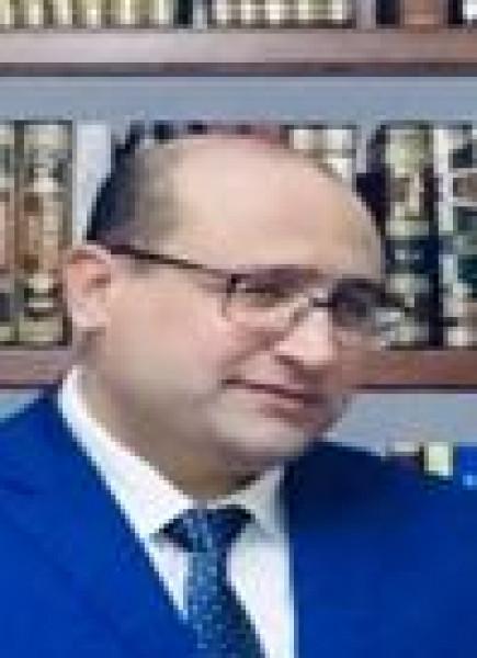 لحظة ضعف بقلم:أحمد علام