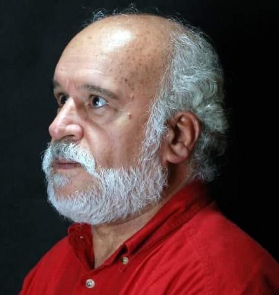 الدّكتور داهش إبداعات كتابيّة تتماهى في فضاءات الأدب بقلم : حسين أحمد سليم
