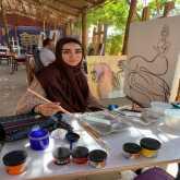التشكيلية الإماراتية أمل لوتاه : فى لوحاتى قررت أن أكون أنا .. والمرأة أساس كل جمال